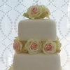 Country Roses Wedding Cake