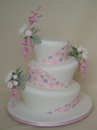 Japanese Style Wonky Wedding Cake Wow Cakes By Wendy